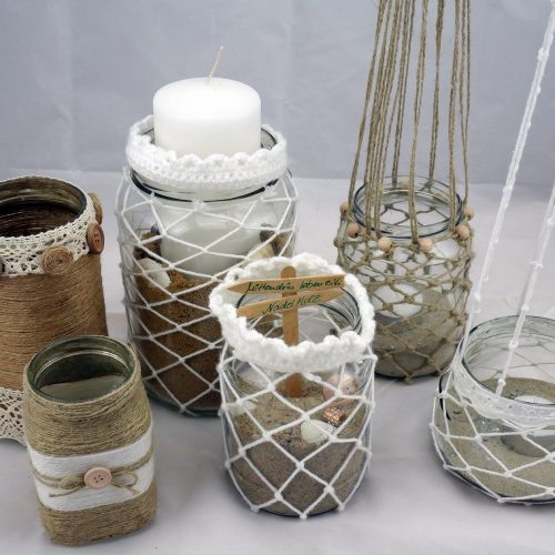 Nadelholz - Einweggläser mit Makramee dekoriert
